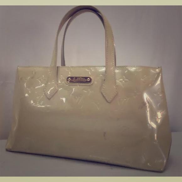 9166c8e8e7 Louis Vuitton Handbags - SALE🌺LV Wilshire Vernis